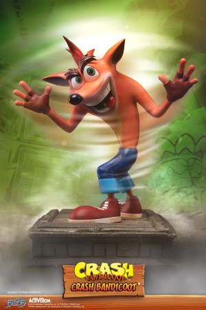 Crash Bandicoot (Regular)