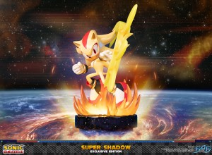 Sonic the Hedgehog™ – Super Shadow (Exclusive Edition)