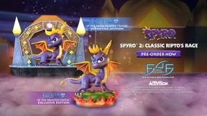 Spyro™ 2: Classic Ripto's Rage PVC and Artisans Green Crystal Dragon Mini Metal Statue Launch