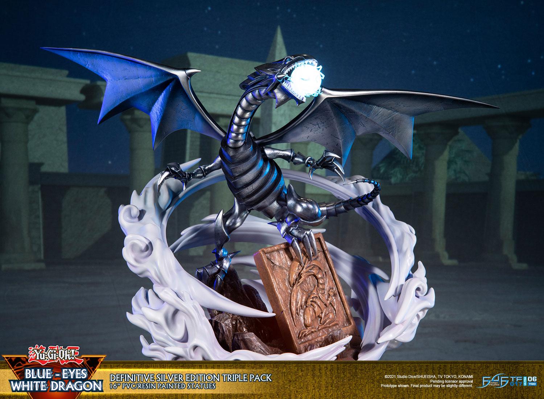 Blue-Eyes White Dragon (Definitive Silver Edition Triple Pack)