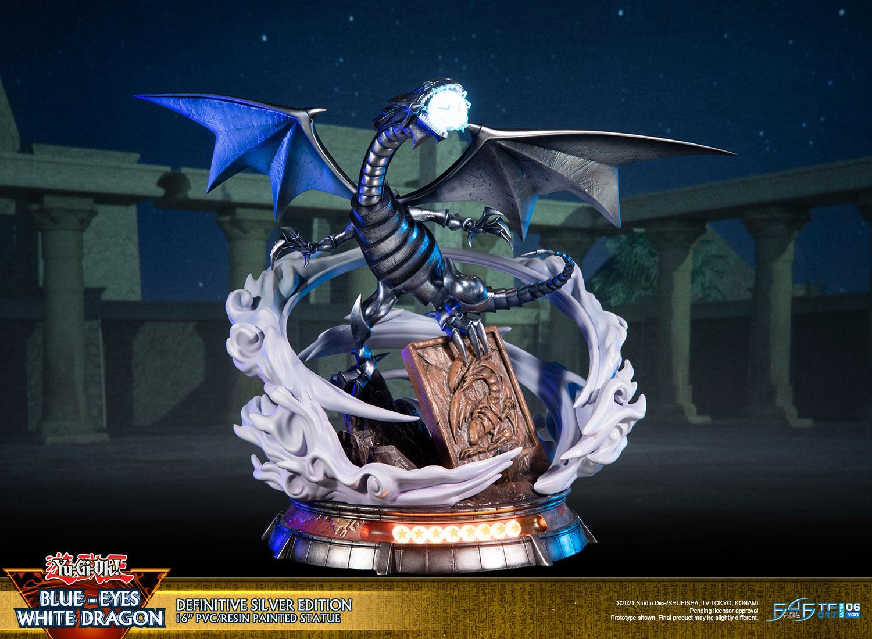 Blue-Eyes White Dragon (Definitive Silver Edition)