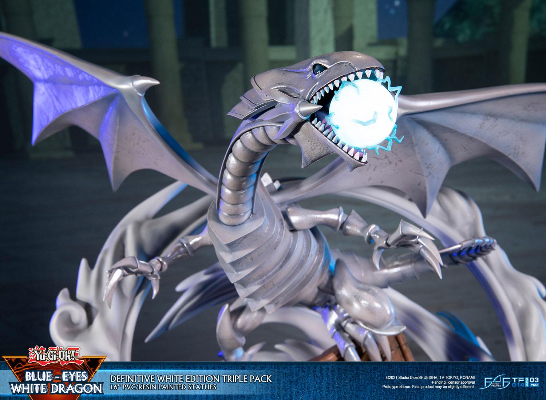 Blue-Eyes White Dragon (Definitive White Edition Triple Pack)
