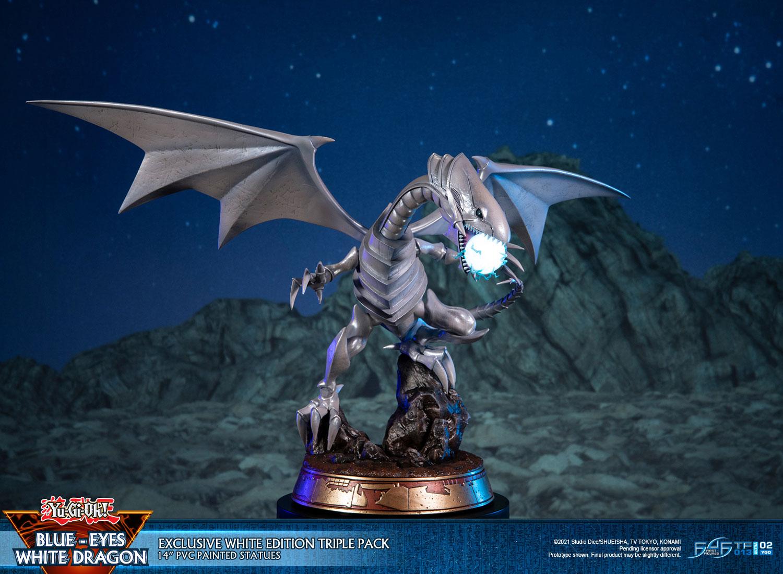 Blue-Eyes White Dragon (Exclusive White Edition Triple Pack)
